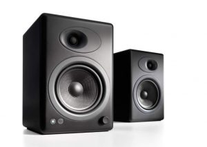 best bookshelf speakers with bass, best bookshelf speakers 2018, best bookshelf speakers 2019, best bookshelf speakers with quality,