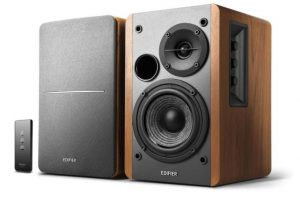 list of the best powered bookshelf speakers, best powered bookshelf speakers for turntable, best budget powered bookshelf speakers.